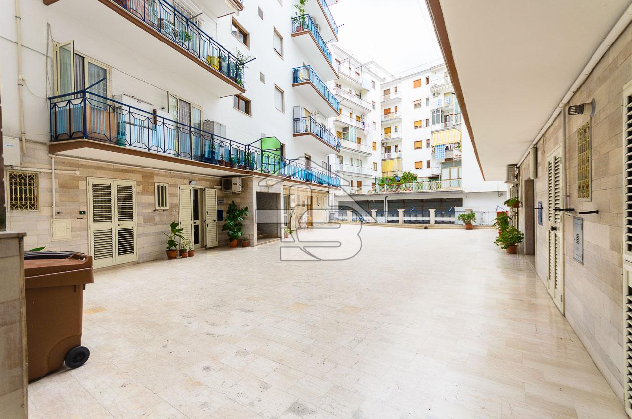 Foto 2 - Ufficio/studio in Locazione a Manfredonia - Viale Beccarini