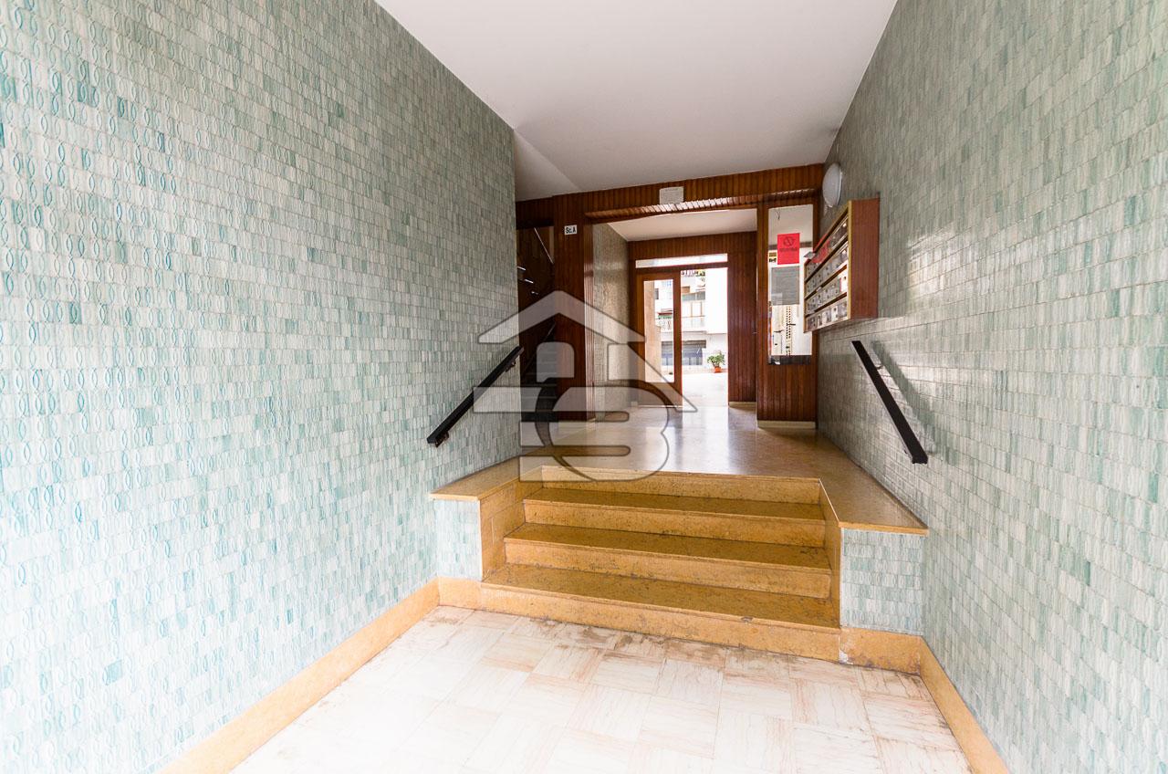 Foto 21 - Ufficio/studio in Locazione a Manfredonia - Viale Beccarini