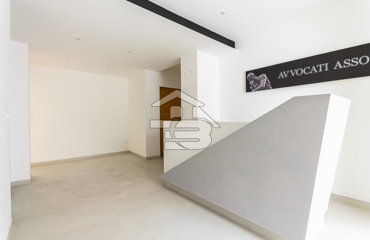 Foto 5 - Ufficio/studio in Locazione a Manfredonia - Viale Beccarini