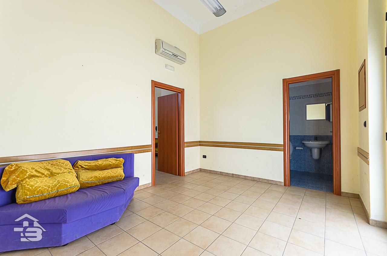 Foto 2 - Ufficio/studio in Locazione a Manfredonia - Via Orto Sdanga