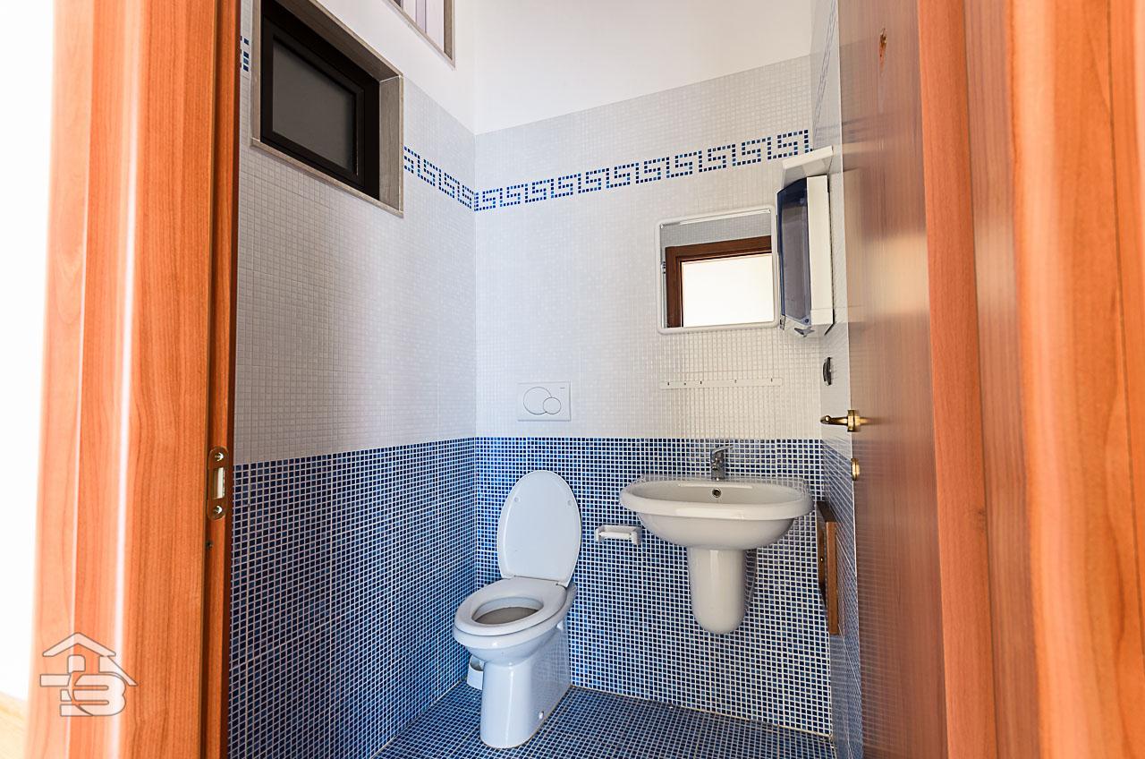 Foto 3 - Ufficio/studio in Vendita a Manfredonia - Via Orto Sdanga