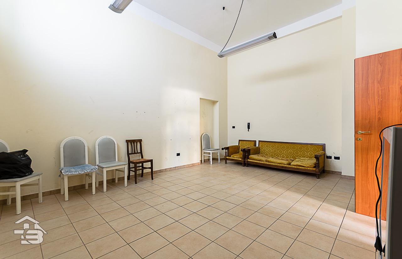 Foto 5 - Ufficio/studio in Locazione a Manfredonia - Via Orto Sdanga