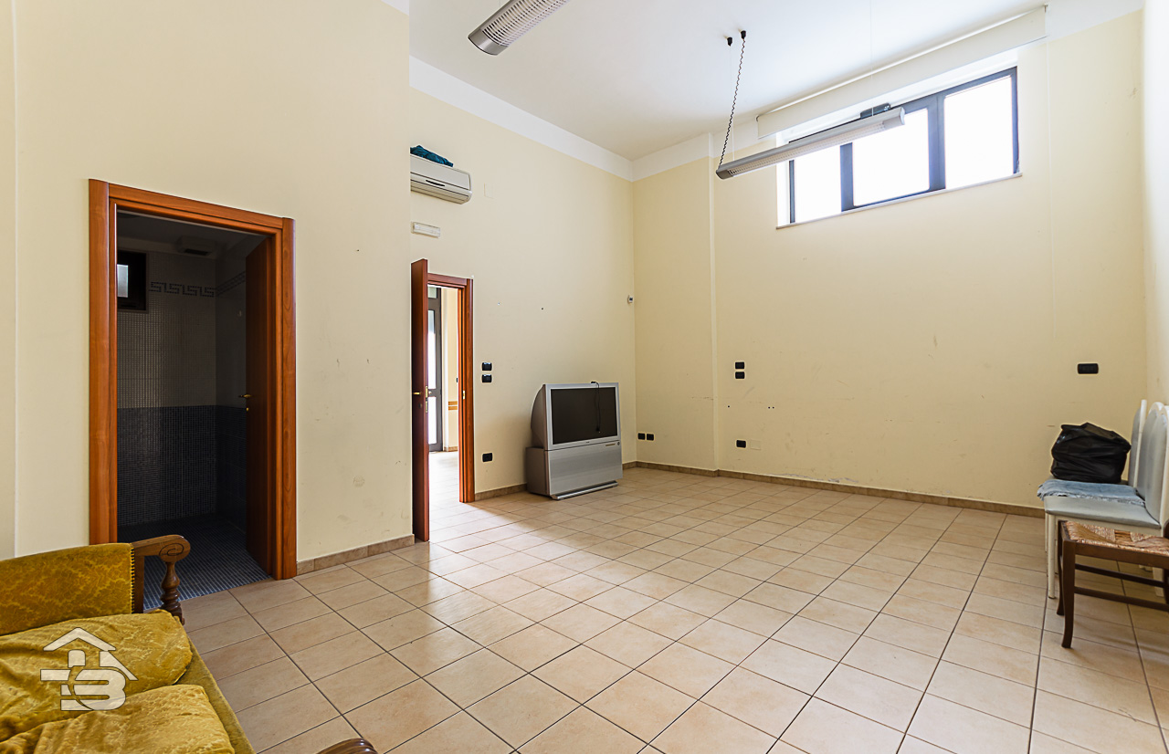 Foto 6 - Ufficio/studio in Locazione a Manfredonia - Via Orto Sdanga