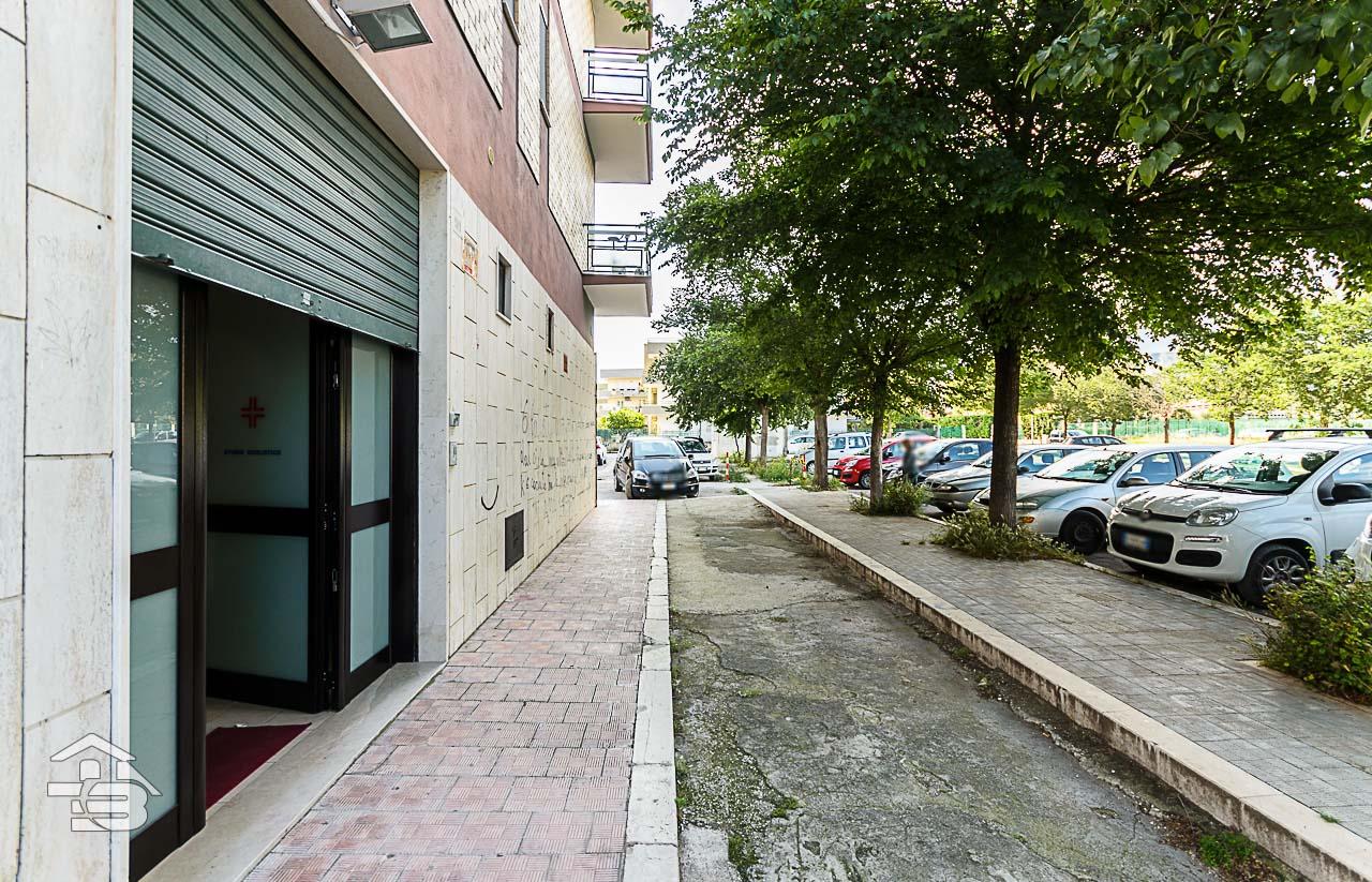 Foto 9 - Ufficio/studio in Locazione a Manfredonia - Via Orto Sdanga