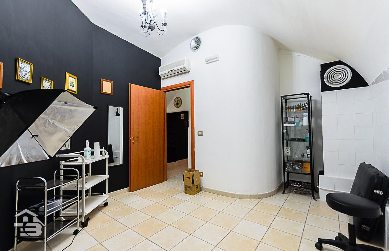 Foto 5 - Ufficio/studio in Vendita a Manfredonia - Corso Roma