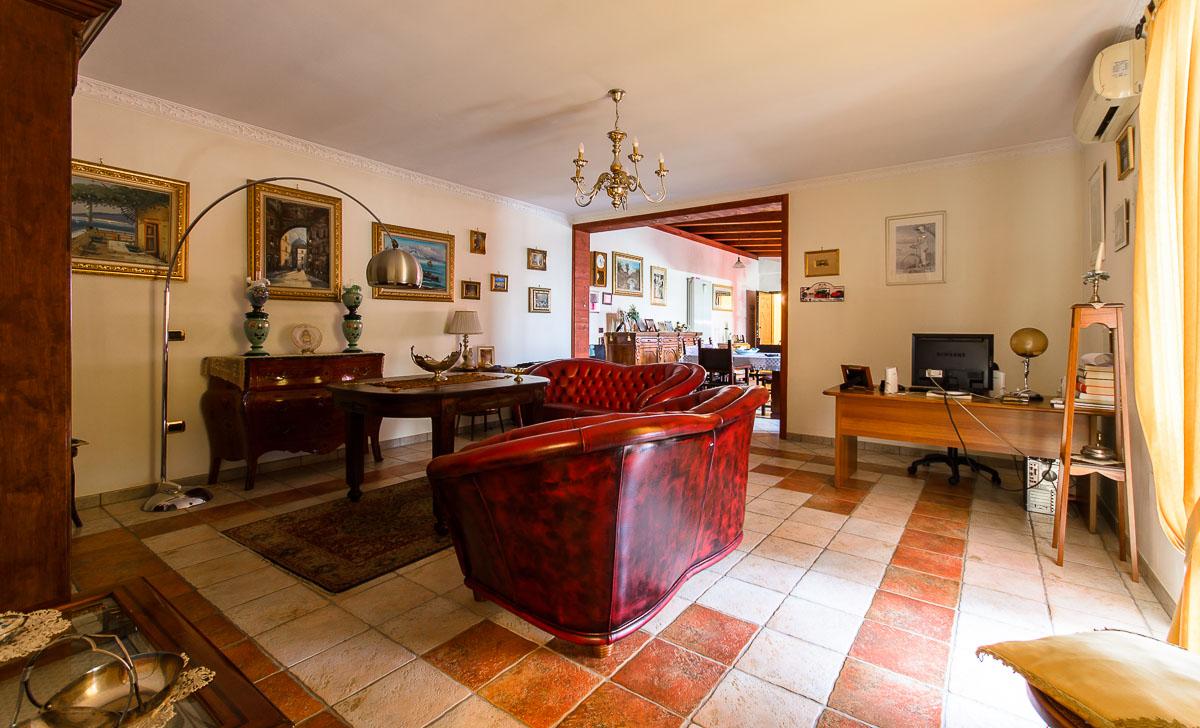 Foto 1 - Ufficio/studio in Vendita a Manfredonia - Viale San Pio